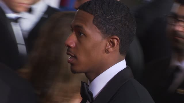 nick cannon at the 67th annual golden globe awards arrivals part 1 at beverly hills ca - ゴールデングローブ賞点の映像素材/bロール