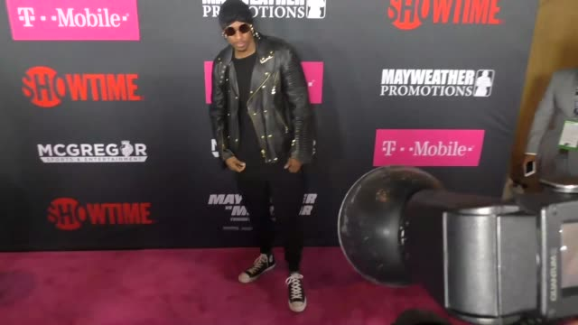 nick cannon at the floyd mayweather jr vs conor mcgregor bout preevent vip party magenta carpet on august 26 2017 in las vegas nevada - nick cannon stock videos & royalty-free footage