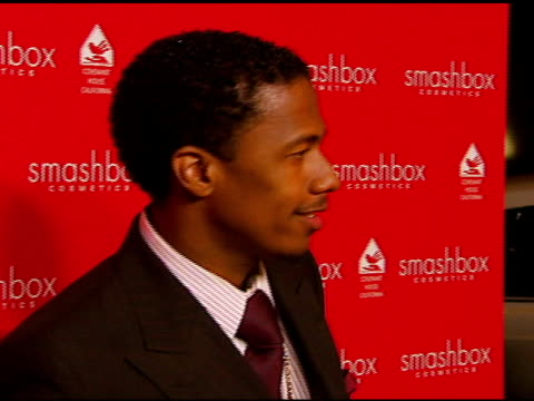 nick cannon at the smashbox cosmetics celebration of the holidays and brent bolthouseæs birthday at covenant house california in los angeles,... - 証書点の映像素材/bロール