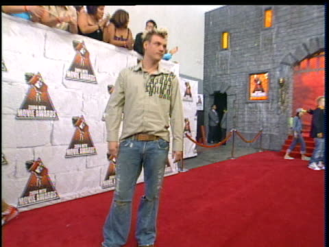 nick carter is taking pictures at the 2004 mtv movie awards red carpet. - 2004 stock videos & royalty-free footage