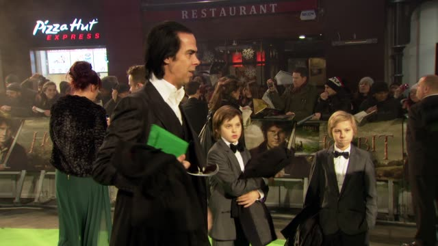 nick cave at 'the hobbit' uk premiere and royal film performance at odeon leicester square on december 12, 2012 in london, england. - the hobbit stock videos & royalty-free footage