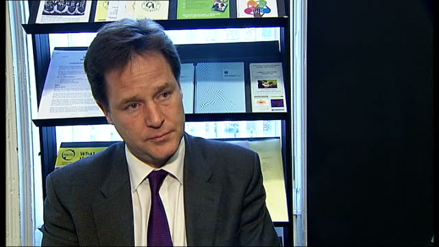 nick clegg and brian paddick visit crime reduction charity in clapham nick clegg interview sot on impact to british business of gaddafi's fall /... - ユーロ圏債務危機点の映像素材/bロール