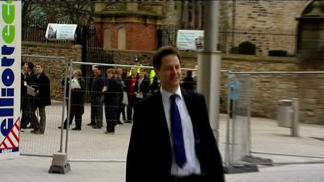 stockvideo's en b-roll-footage met tyne and wear gateshead sage building ext nick clegg mp along on tyne bridge and greets jo swinson mp pan to bv as along into building for liberal... - tyne and wear