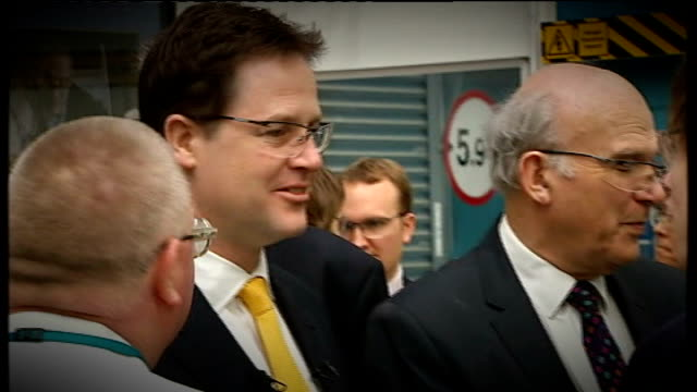 stockvideo's en b-roll-footage met nick clegg leadership challenge / lord oakeshott resigns from liberal democrats lib / newcastle upon tyne siemens energy training scheme nick clegg... - tyne and wear