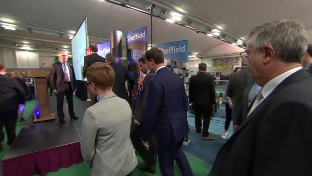 nick clegg loses his seat at sheffield hallam england sheffield int nick clegg at declaration / candidates onto stage / of sheffield hallam... - ニック クレッグ点の映像素材/bロール