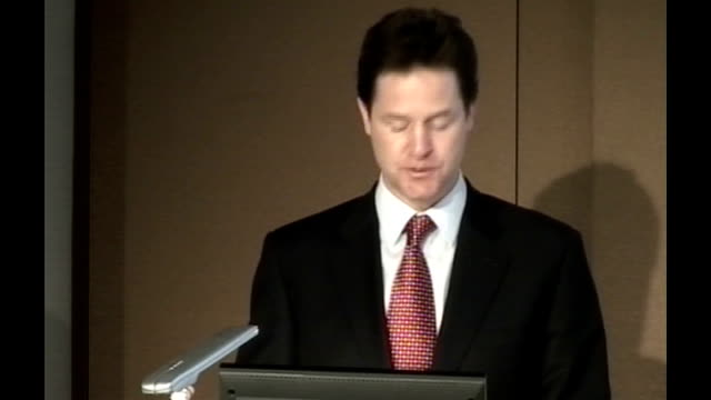 vidéos et rushes de nick clegg speech at london stock exchange nick clegg speech continues sot we are setting out the first installment of 15 billion pounds of annual... - processus biologique