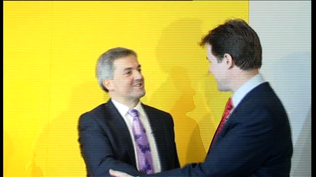 nick clegg wins leadership of liberal democrat party press conference clegg and huhne join cable on stage cable speaking sot announces that clegg has... - クリス ヒューン点の映像素材/bロール