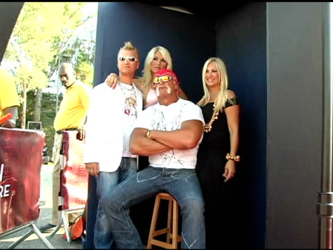 nick hogan, brooke hogan, hulk hogan and linda hogan at the 2005 teen choice awards exclusive on-site portrait studio at the universal amphitheatre... - choice stock videos & royalty-free footage