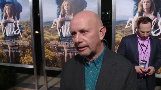 nick hornby on the challenges of adapting a successful book to film and why reese was perfect for this role at 'wild' los angeles premiere presented... - academy of motion picture arts and sciences 個影片檔及 b 捲影像