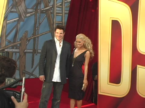 nick lachey and jessica simpson at the 2005 mtv movie awards arrivals at shrine auditorium in los angeles, california. - shrine auditorium stock videos & royalty-free footage