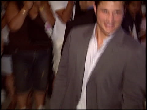 stockvideo's en b-roll-footage met nick lachey at the world music awards 2005 at the kodak theatre in hollywood, california on august 31, 2005. - nick lachey