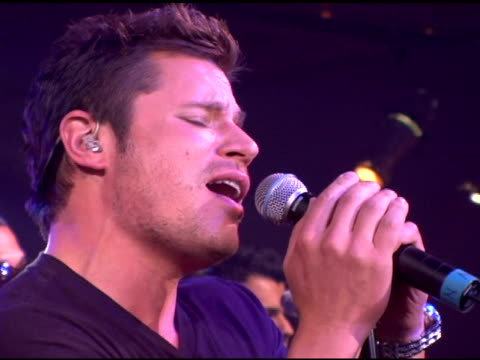 nick lachey performing at the style stage new york city's fashion, shopping and music extravaganza with jagged edge and nick lachey - day two at... - ニック ラシェイ点の映像素材/bロール