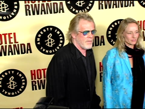 nick nolte at the 'hotel rwanda' los angeles premiere at the academy theatre in los angeles, california on december 3, 2004. - nick nolte stock-videos und b-roll-filmmaterial