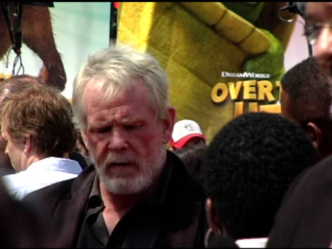nick nolte at the 'over the hedge' los angeles premiere on april 30, 2006. - nick nolte stock-videos und b-roll-filmmaterial