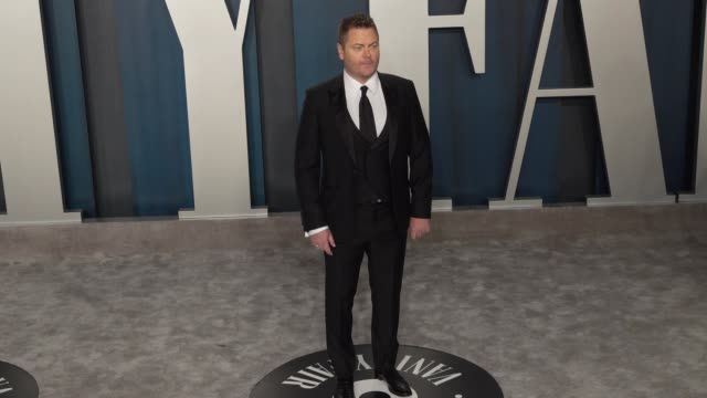 nick offerman at vanity fair oscar party at wallis annenberg center for the performing arts on february 09, 2020 in beverly hills, california. - oscar party点の映像素材/bロール
