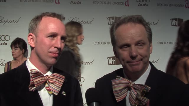 nick park and steve box on elton john's music at the 14th annual elton john aids foundation oscar party co-hosted by audi, chopard and vh1 at the... - oscar party点の映像素材/bロール
