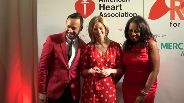 nick verreos, elizabeth banks and star jones at the american heart association's 'go red for women' luncheon in new york on 2/3/2012 - star jones stock videos & royalty-free footage