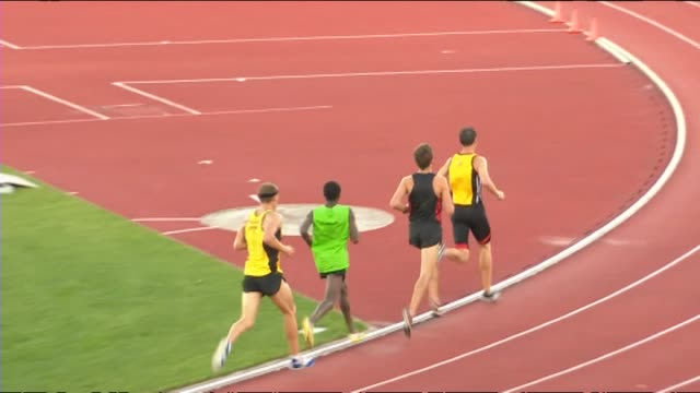 Nick Willis winning the 5000 metres final at the New Zealand Track and Field Championships