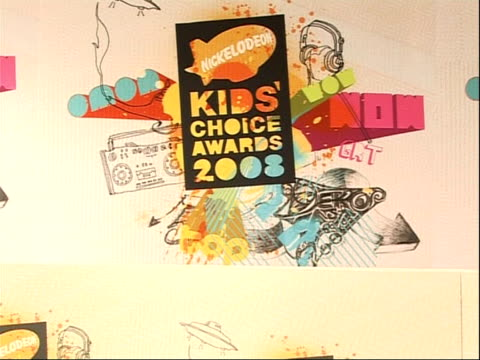 nickelodeon kids choice awards 2008; england: london: excel centre: int nickelodeon kids choice awards 2008 posters - nickelodeon stock videos & royalty-free footage