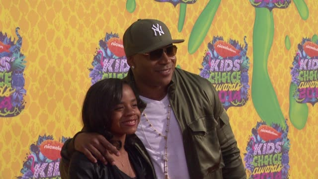 clean nickelodeon's 27th annual kids' choice awards at usc galen center on march 29 2014 in los angeles california - nickelodeon kid's choice awards stock videos & royalty-free footage