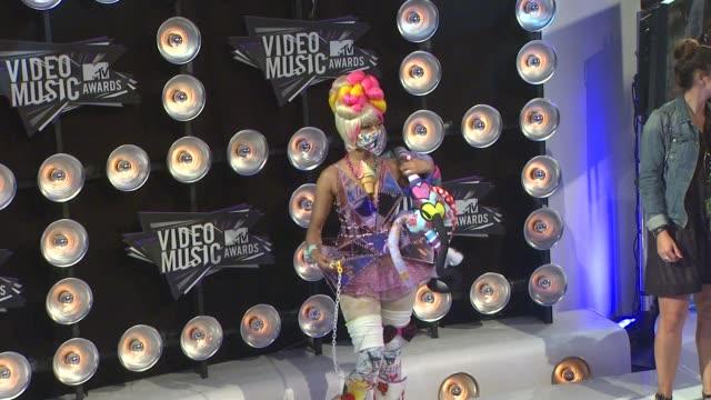 nicki minaj at the 2011 mtv video music awards at los angeles ca - mtv video music awards stock videos & royalty-free footage