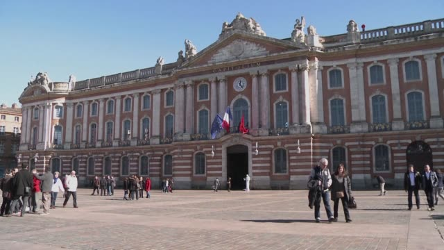 nicknamed la ville rose because of the terracotta bricks in many of its buildings toulouse is more famous for its rugby exploits than football - toulouse stock videos & royalty-free footage