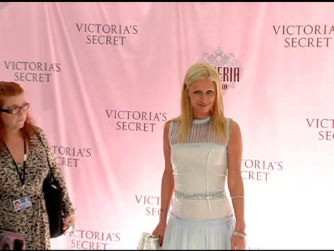 nicky hilton at the 10th victoria's secret fashion show arrivals at the armory in new york new york on november 9 2005 - waffenlager stock-videos und b-roll-filmmaterial
