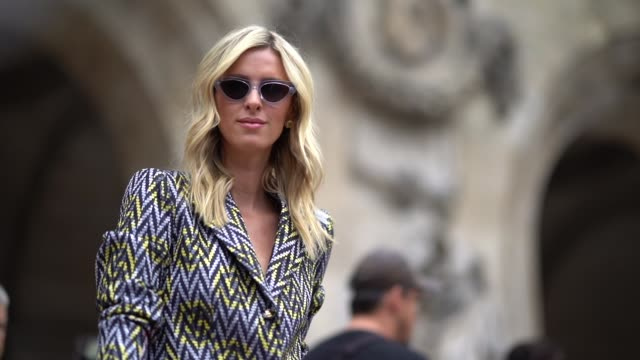 stockvideo's en b-roll-footage met nicky hilton wears a blazer jacket , outside schiaparelli, during paris fashion week haute couture fall winter 2018/2019, on july 2, 2018 in paris,... - blazer
