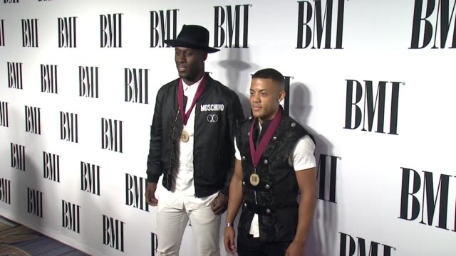 vídeos de stock, filmes e b-roll de nico vinz at the 63rd annual bmi pop awards at the beverly wilshire four seasons hotel on may 12 2015 in beverly hills california - four seasons hotel