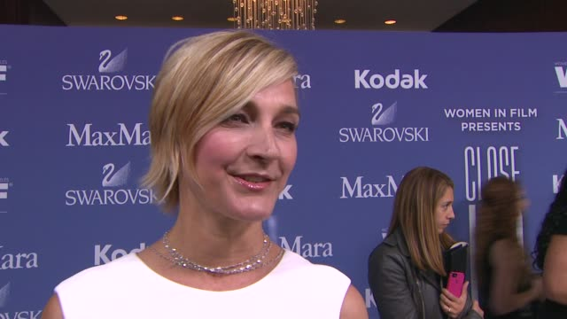 vidéos et rushes de nicola maramotti on why max mara loves to sponsor this event, why hailee was a perfect recipient of the face of the future award and talks about... - the beverly hilton hotel