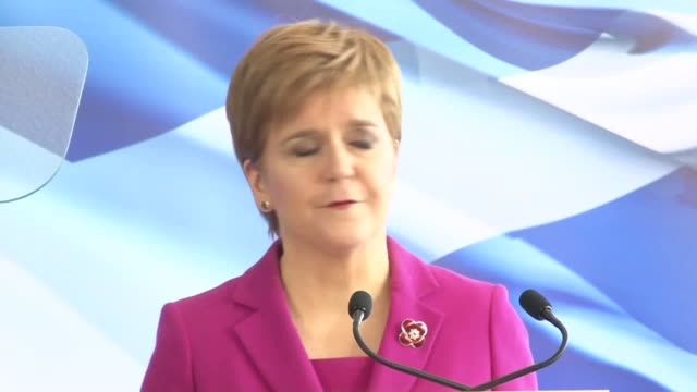 nicola sturgeon has set out her conditions for supporting a minority labour government in the event of a hung parliament at westminster speaking at... - holyrood bildbanksvideor och videomaterial från bakom kulisserna