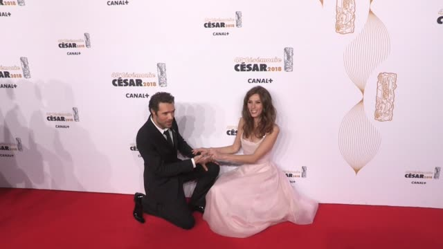 vidéos et rushes de nicolas bedos and doria tillier on the red carpet for the cesar film awards 2018 at salle pleyel in paris paris, france, on friday, march 2nd, 2018 - cesar
