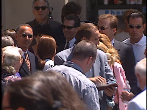 vídeos de stock e filmes b-roll de nicolas cage at the nicolas cage walk of fame star at hollywood walk of fame. - autografar