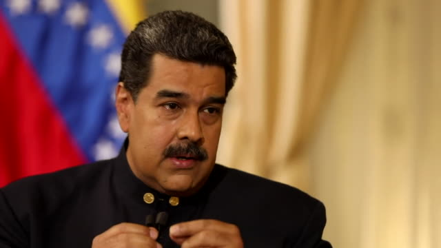 stockvideo's en b-roll-footage met nicolas maduro saying the bbc and american media have created a stereotype of a venezuela that doesn't exist - verwijten