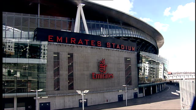 nicolas sarkozy and gordon brown ukfrance summit 2008 ext general view of emirates stadium building - イズリントン点の映像素材/bロール
