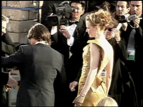 nicole kidman at the 2000 academy awards at the shrine auditorium in los angeles california on march 26 2000 - nicole kidman stock videos & royalty-free footage