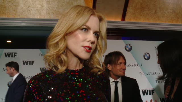 vídeos de stock, filmes e b-roll de interview nicole kidman on being honored and the importance of tonight's event at women in film 2015 crystal lucy awards presented by max mara bmw of... - century plaza