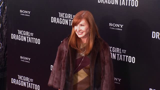 nicole miller at 'the girl with the dragon tattoo' new york premiere new york ny united states - the girl with the dragon tattoo stock videos and b-roll footage