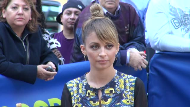 Nicole Richie at the 'Good Morning America' studio with fans in New York NY on 09/12/12