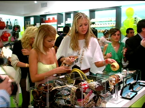 nicole richie shopping at kitson at the launch of 'tweety' collection by warner brothers consumer products on may 10, 2005. - nicole richie stock videos & royalty-free footage