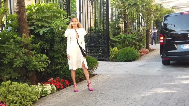 nicole richie wears a white ruffled lace dress, outside giambattista valli, during paris fashion week -haute couture fall/winter 2019/2020, on july... - nicole richie stock videos & royalty-free footage