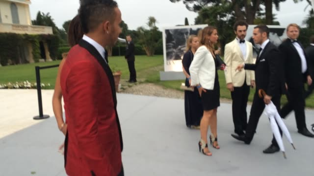 nicole scherzinger lewis hamilton at amfar red carpet at hotel du capedenroc on may 22 2014 in cap d'antibes france - lewis hamilton nicole scherzinger stock videos and b-roll footage