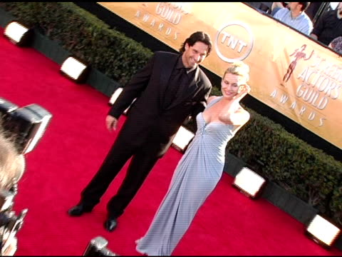 vídeos de stock e filmes b-roll de nicollette sheridan at the 2005 screen actors guild sag awards arrivals at the shrine auditorium in los angeles california on february 5 2005 - nicollette sheridan