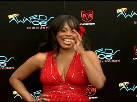 niecy nash at the 2006 bet awards arrivals at the shrine auditorium in los angeles, california on june 27, 2006. - shrine auditorium stock videos & royalty-free footage