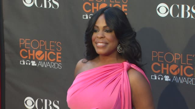 niecy nash at the 36th annual people's choice awards at los angeles ca. - people's choice awards stock videos & royalty-free footage