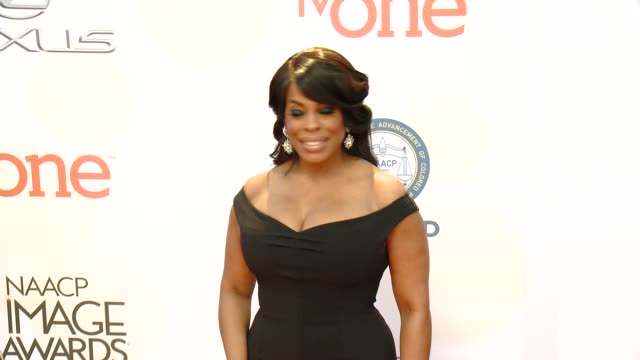 stockvideo's en b-roll-footage met niecy nash at the 46th annual naacp image awards - arrivals at pasadena civic auditorium on february 06, 2015 in pasadena, california. - pasadena civic auditorium