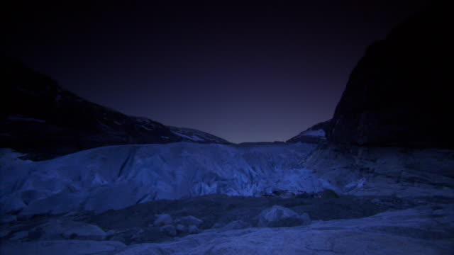 nigardsbreen glacier at night - clima polare video stock e b–roll