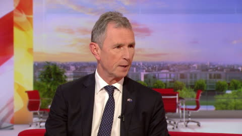 """nigel evans comparing theresa may's new withdrawal agreement to """"rewatching titanic"""", saying """"the ship sinks every time"""" - wrack stock-videos und b-roll-filmmaterial"""