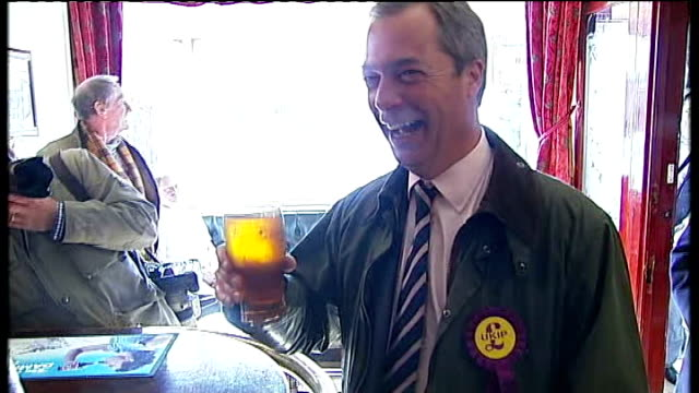 stockvideo's en b-roll-footage met nigel farage criticised by the times over his eu allowance spending t30041353 / tx tyne and wear south shields photography** nigel farage mep holding... - tyne and wear