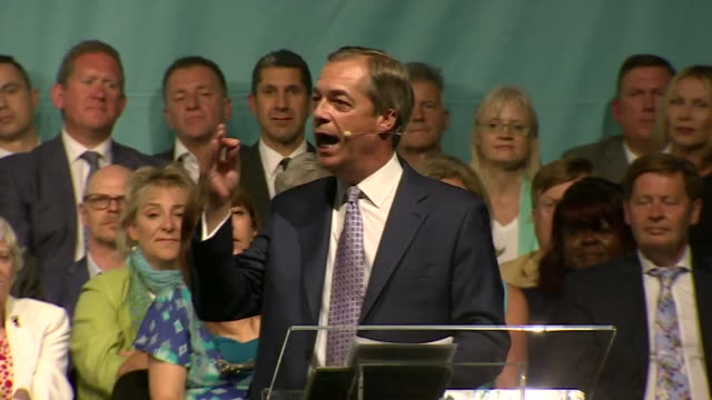 nigel farage saying we believe brexit is the greatest opportunity any of us will ever see in our lifetimes at a brexit party rally - midlands occidentali video stock e b–roll